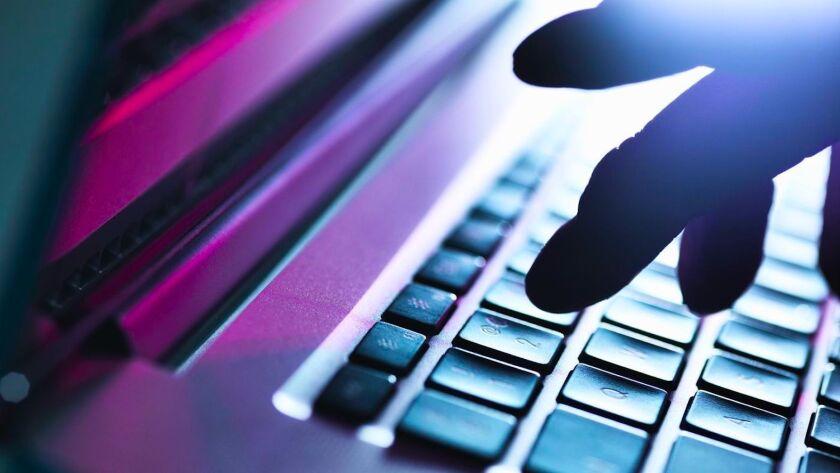"""El FBI desarrolla pesquisas sobre supuestos ciberataques de """"hackers"""" chinos a organizaciones en EE.UU. que llevan a cabo investigación sobre el nuevo coronavirus."""