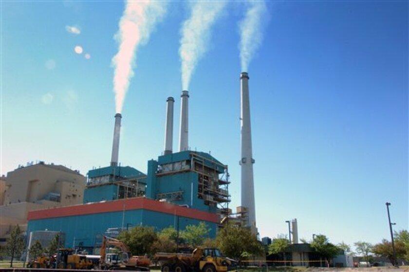 La mayoría de los estadounidenses están dispuestos a pagar más cada mes — aunque solo un poco más —para luchar contra el cambio climático, señala una un nueva encuesta. Con todo, expertos en política medioambiental señalan que este es un signo esperanzador.