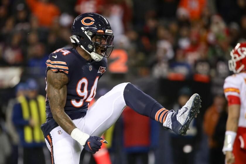 Chicago Bears edge rusher Leonard Floyd celebrates.