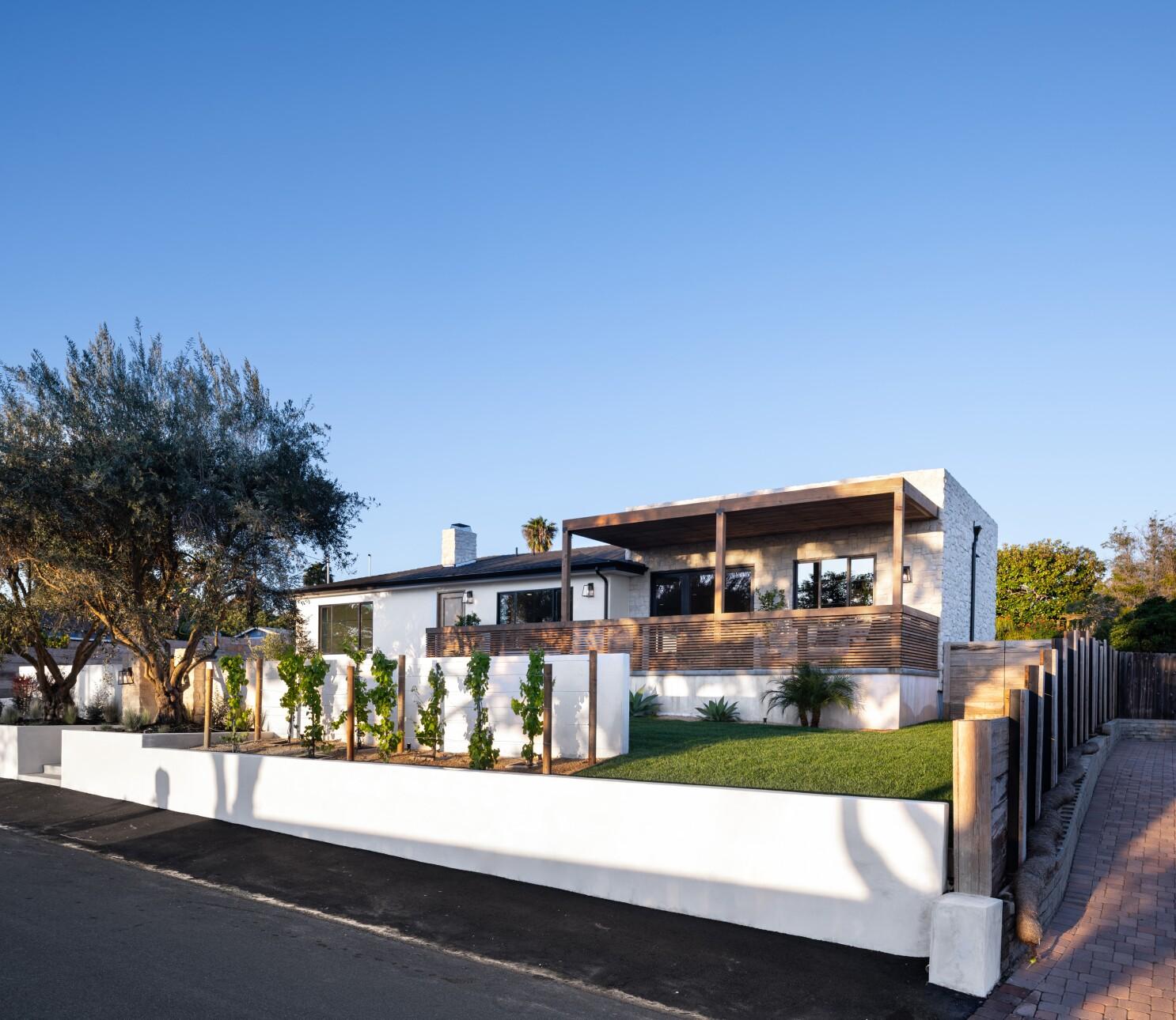 Remodel Turns Sedate Carlsbad Home Into View Rich Mini Villa The San Diego Union Tribune