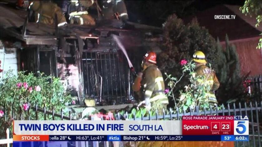 Unos gemelos de 2 años de edad murieron después de que un voraz incendio estalló en su casa ubicada en el sur de Los Angeles