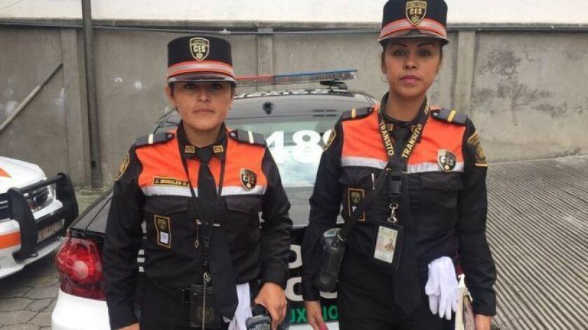 Hace cinco años las autoridades decidieron que solo las mujeres deberían hacer el trabajo, porque son más confiables. Actualmente, hay cerca de 400 mujeres en la policía de tránsito.