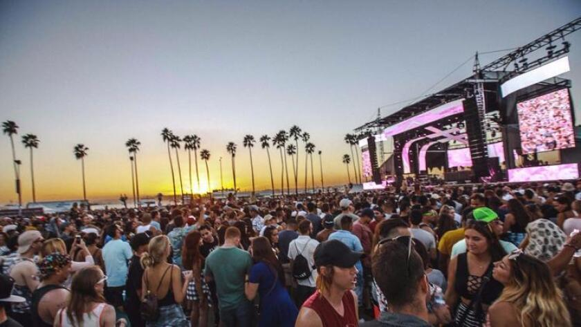 Sunset at CRSSD Fest's Ocean View stage on Saturday, Oct. 1 (Felicia Garcia / CRSSD Fest)