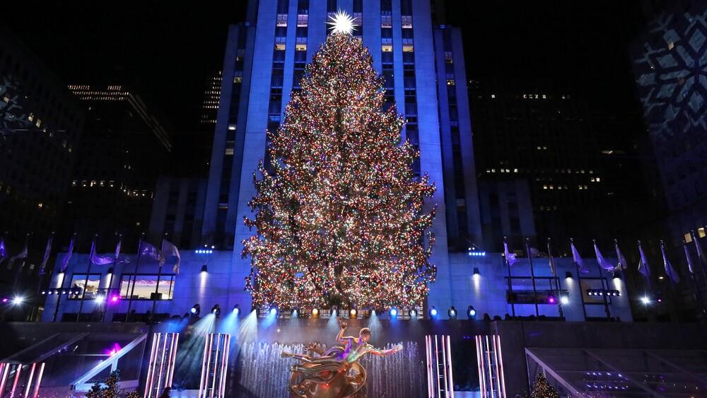 Rockefeller Christmas Tree 2021 Time Nbc Wins Nov 30 Ratings With Nfl Rockefeller Center Tree Lighting Los Angeles Times