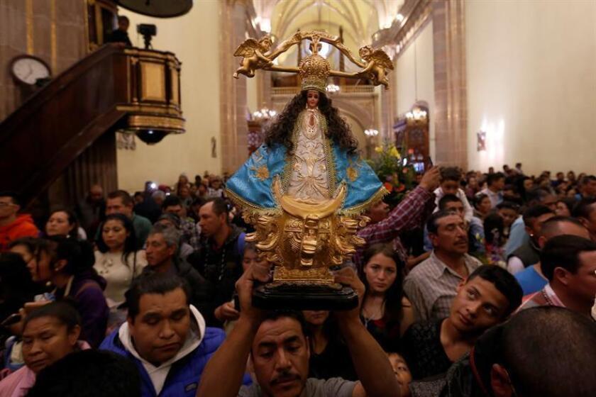 Católicos participan en la peregrinación de la virgen de la Candelaria este sábado, en la Basílica de San Juan de los Lagos, en el estado de Jalisco (México). EFE
