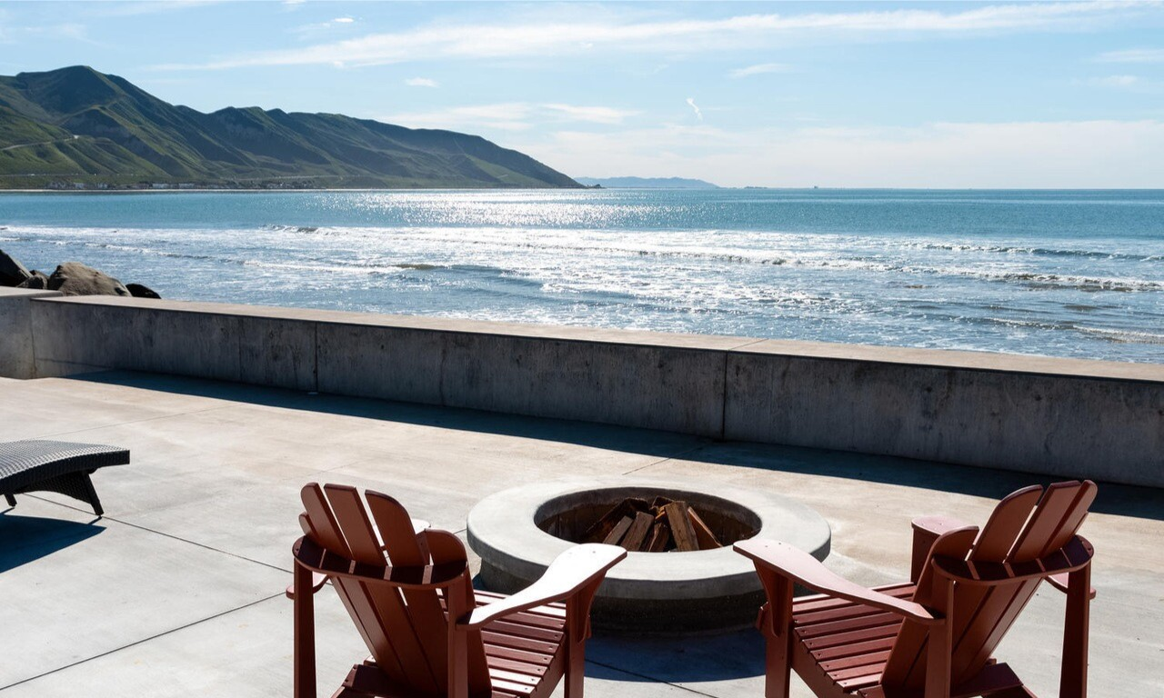 Dee Johnson's Ventura beach house
