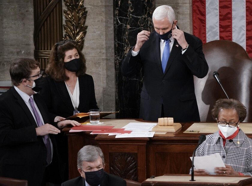 Cámara baja de EEUU vota sobre paquete de rescate de Biden
