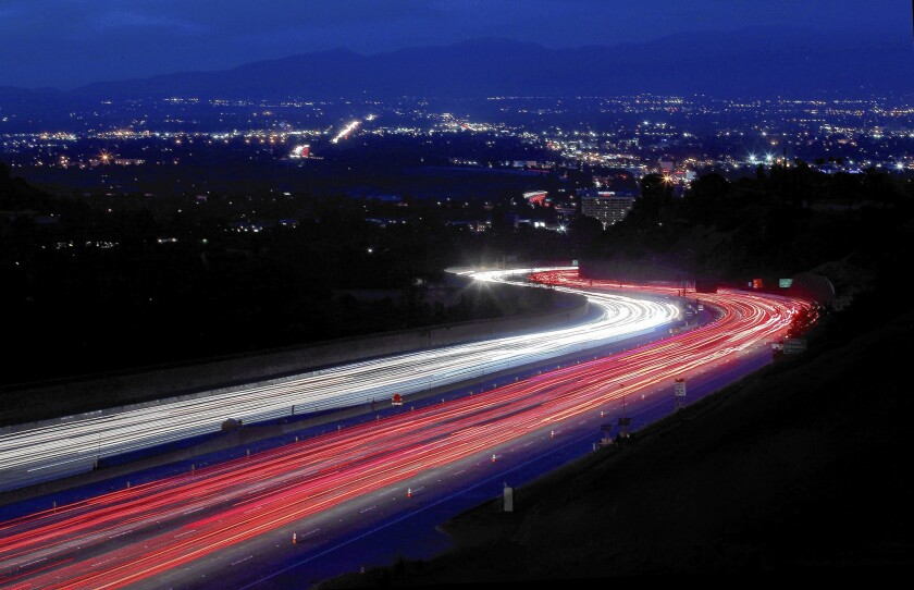 A view of the 405 Freeway heading into the San Fernando Valley