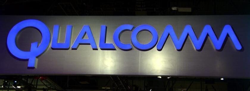 Fotografía que muestra el logotipo de Qualcomm en el stand de Consumer Electronics Show (CES) en Las Vegas (Estados Unidos). EFE/Archivo