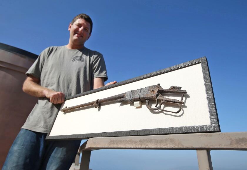 tn-dpt-me-antique-gun-1.JPG