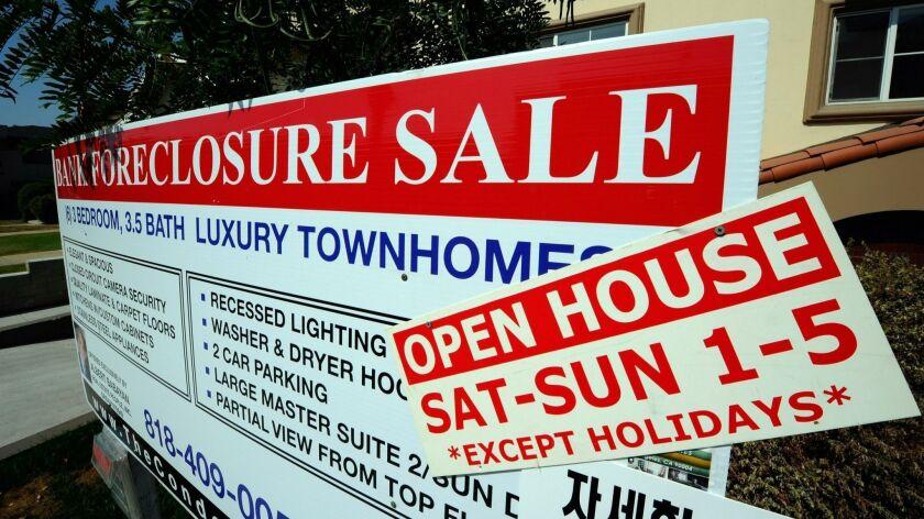 U.S. Foreclosure Rates Rise As Bank Repossessions Soar