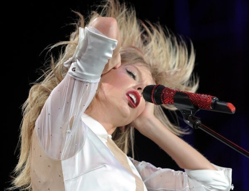 Taylor Swift ties record for most sold-out shows at Staples Center