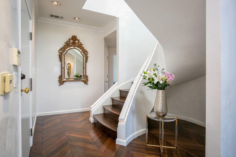 Portia de Rossi's former penthouse | Hot Property