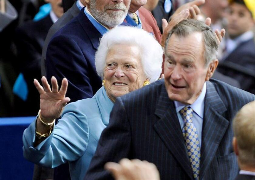 (FILE) - Former President George H.W. Bush (R) and former First Lady Barbara Bush (L) arrive during the second session of the 2008 Republican National Convention in the Xcel Energy Center in St. Paul, Minnesota, USA, 02 September 2008 (reissued 01 December 2018). EFE/EPA