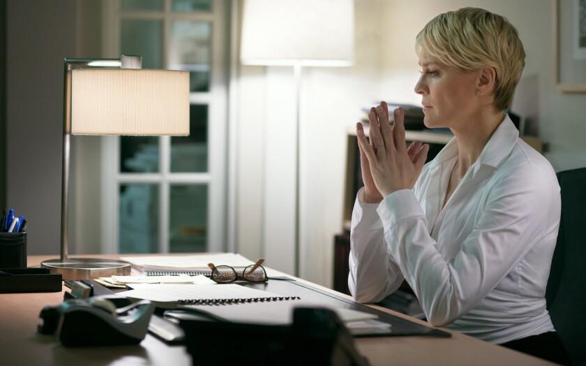 La actriz Robin Wright es una de las figuras que dirigirá un cortometraje sobre el empoderamiento femenino.