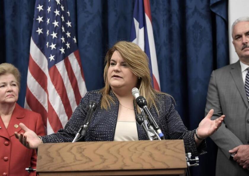 La comisionada residente de Puerto Rico en la Cámara de Representantes, Jenniffer González Colón, presentó hoy en Washington el acta de admisión de Puerto Rico para iniciar el proceso de transición para convertirse en el estado número 51 de la Unión. EFE/Archivo