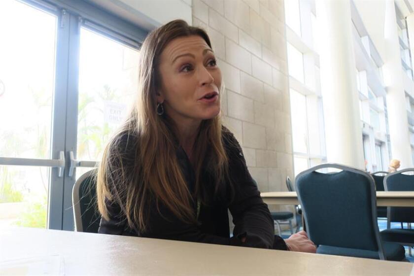 La secretaria de Educación de Puerto Rico, Julia Keleher, habla durante una entrevista con Efe. EFE/Archivo