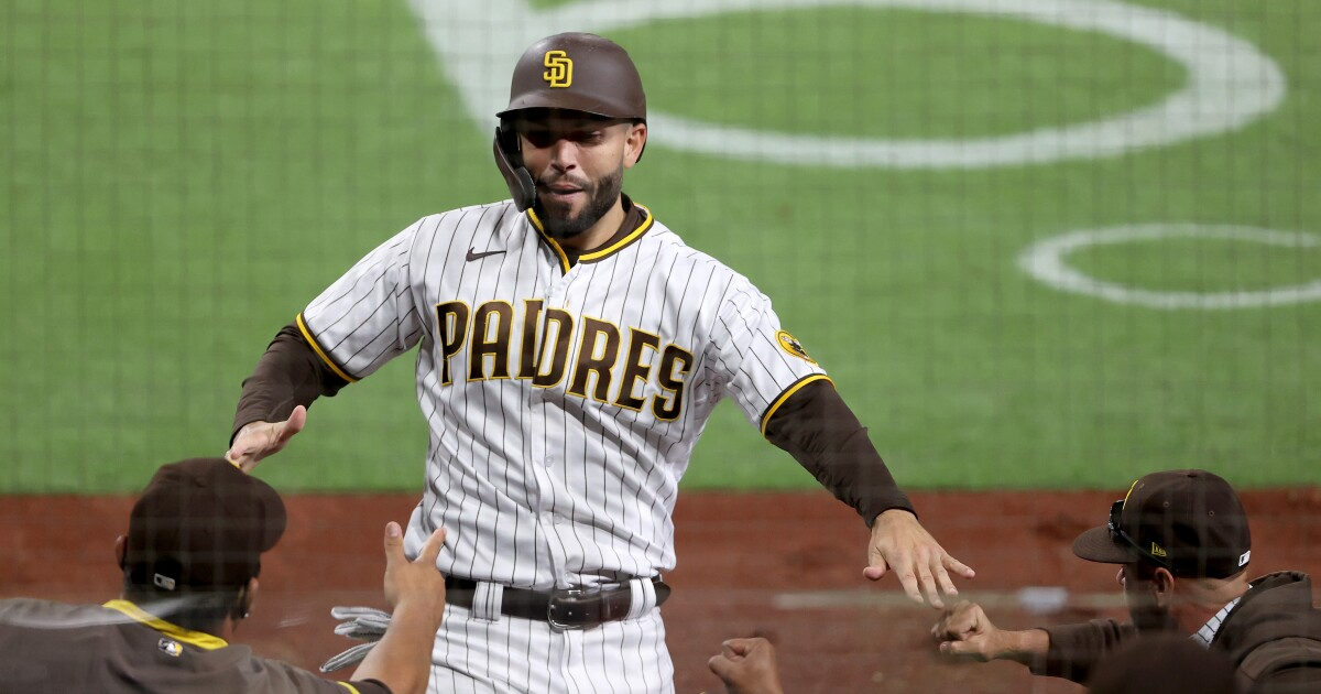 Padres pregame: Hosmer sits against lefty; rare start for Kim