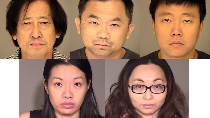 Cinco personas fueron arrestadas por sospecha de dirigir una red de tráfico sexual con sede en el Valle de San Gabriel, que operaba desde San Diego hasta Fresno, informaron este martes las autoridades.