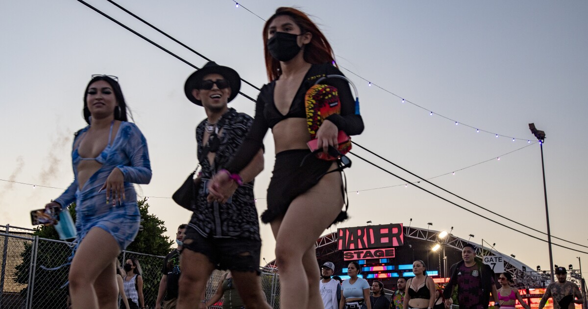 160,000 music fans pour into SoCal's Hard Summer festival in face of Delta variant surge