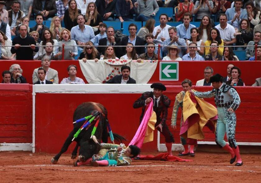 Solo salidas al tercio de los tres espadas en la México