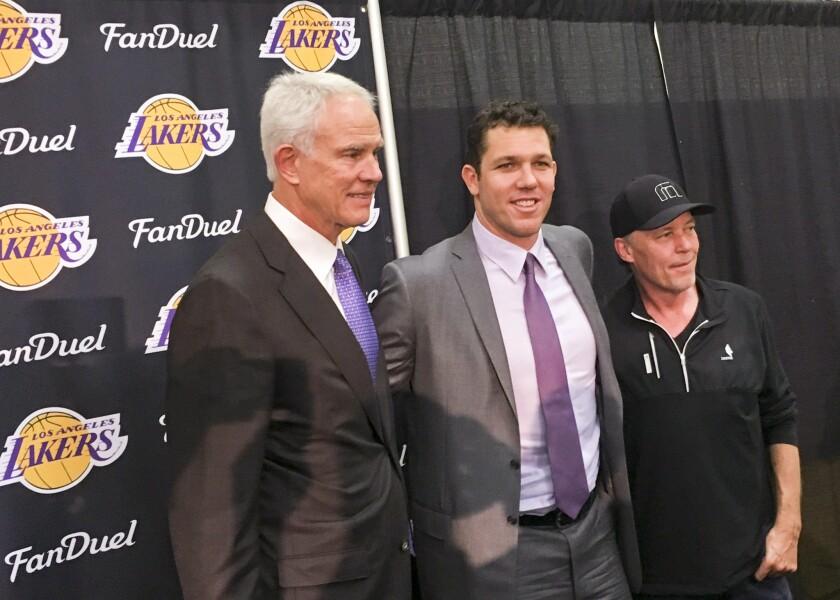 Lakers necesitan hacer bien las cosas este verano para asegurar su futuro.