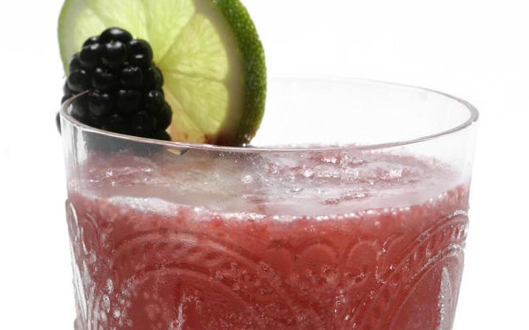 Basil-berry wine punch