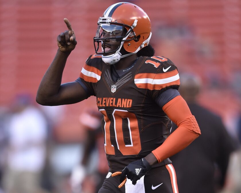 the best attitude 2d4da 0310b Castoff to captain, RG3 embracing new shot as QB with Browns ...