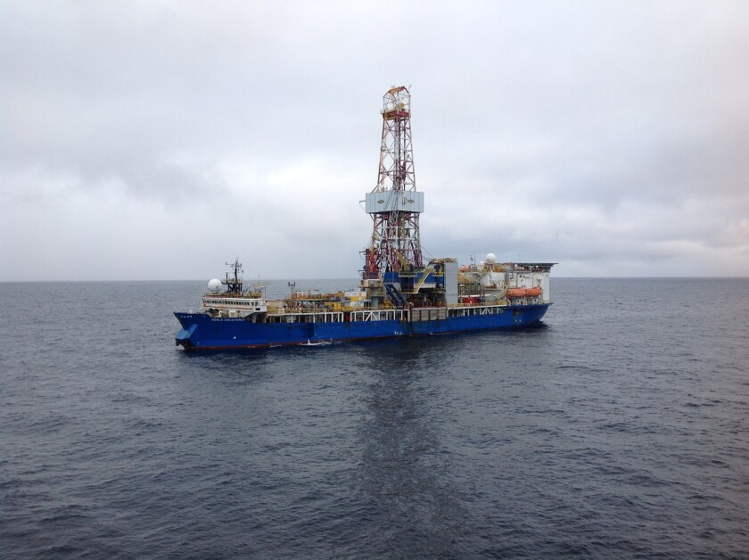 Noble Discoverer drilling rig