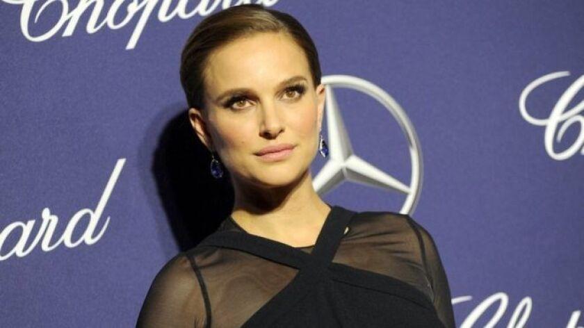 """Natalie Portman reveló que a Ashton Kutcher le pagaron tres veces más que a ella por protagonizar la comedia """"No Strings Attached"""", conocida como """"Amigos con derechos"""" en América Latina."""