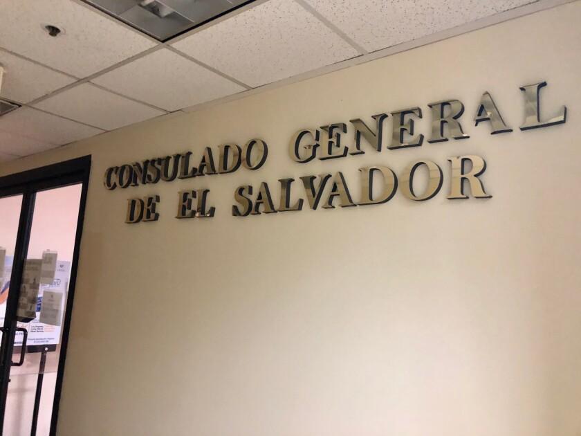 La sede del consulado de El Salvador en Los Ángeles permanece cerrado desde el 16 de marzo.
