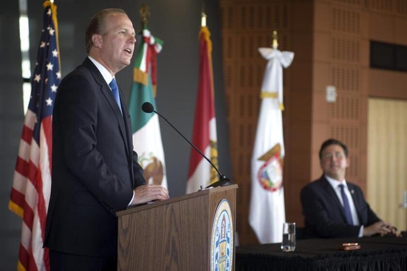 """El alcalde de San Diego (California), Kevin Faulconer, ofreció hoy su """"inquebrantable apoyo"""" a los lazos económicos y culturales entre México y EE.UU., después de que el presidente Donald Trump firmase una acción ejecutiva para iniciar la construcción de un muro que divida ambos países. EFE/ARCHIVO"""