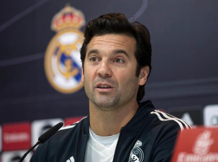 El entrenador argentino del Real Madrid Santiago Solari, en rueda de prensa tras el entrenamiento del equipo blanco en la Ciudad deportiva Del Real Madrid de Valdebebas en Madrid. EFE