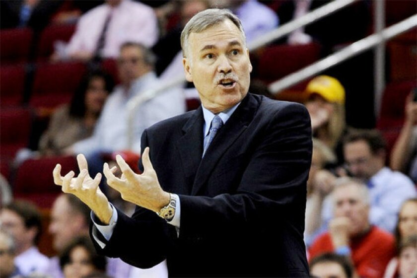 Lakers Coach Mike D'Antoni instructs his players during a 107-105 loss in Houston on Tuesday night.