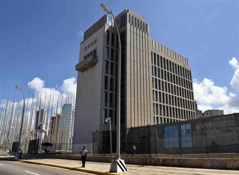 EEUU informó hoy de que 19 turistas del país en Cuba han reportado desde septiembre los mismos síntomas que los funcionarios que fueron víctimas de los supuestos ataques en la isla entre noviembre de 2016 y agosto de 2017. EFE/Archivo