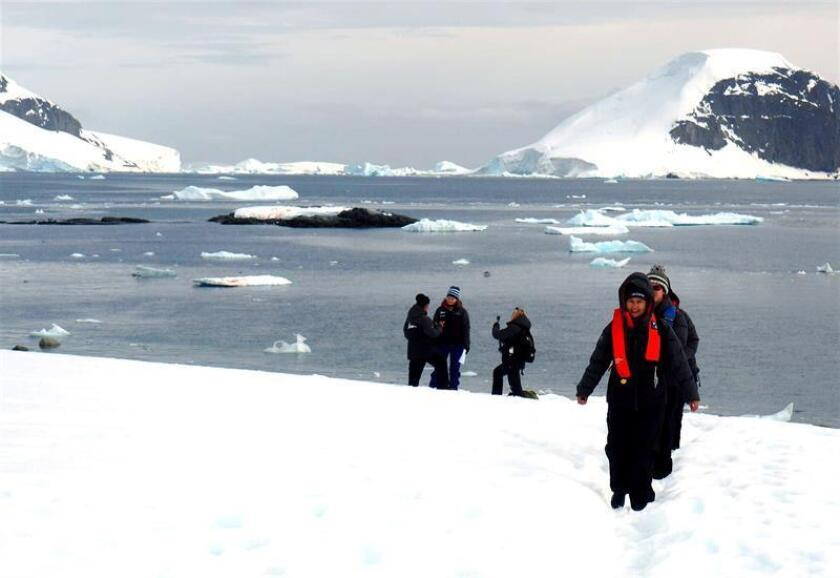 Homeward Bound expedition members explore Antarctica's Danco Island on Jan. 12, 2019. EFE-EPA/ Yalimai Jimenez