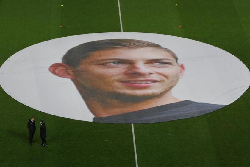 El FC Nantes rinde tributo al jugador argentino Emiliano Sala en Nantes (Francia). EFE/Archivo