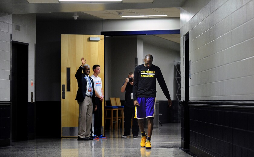 Lakers blown out by Thunder in Kobe Bryant's final road game