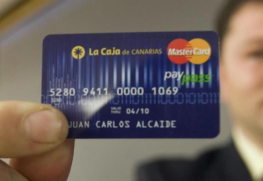 El sistema sin contacto ha tenido una rápida expansión en Chile, que se sitúa actualmente a la cabeza de Latinoamérica y el Caribe en su uso, con un 86 % de las terminales de pago ya habilitadas para operarlas. EFE/Archivo
