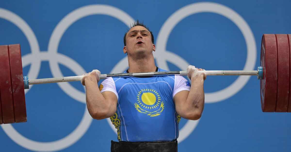 Gold Medalists From 2012 Olympic Weightlifting Fail Retest Of Doping Samples Los Angeles Times