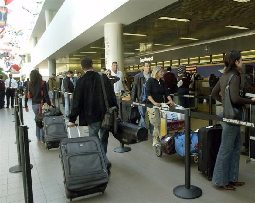 Organismos como la Asociación de Transporte Aéreo Internacional (IATA) y el Grupo de Acción de Transporte Aéreo (ATAG) han instado a los latinoamericanos a modernizar o a construir nuevas terminales aéreas, en una región que cada vez es más atractiva para los negocios y para el turismo. EFE/Archivo