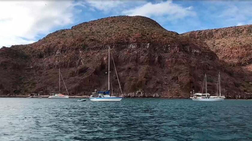 Fotograma extraído de un vídeo con fecha 11 de enero de 2018, que muestra el Archipiélago de Espíritu Santo, en en Baja California Sur (México). EFE