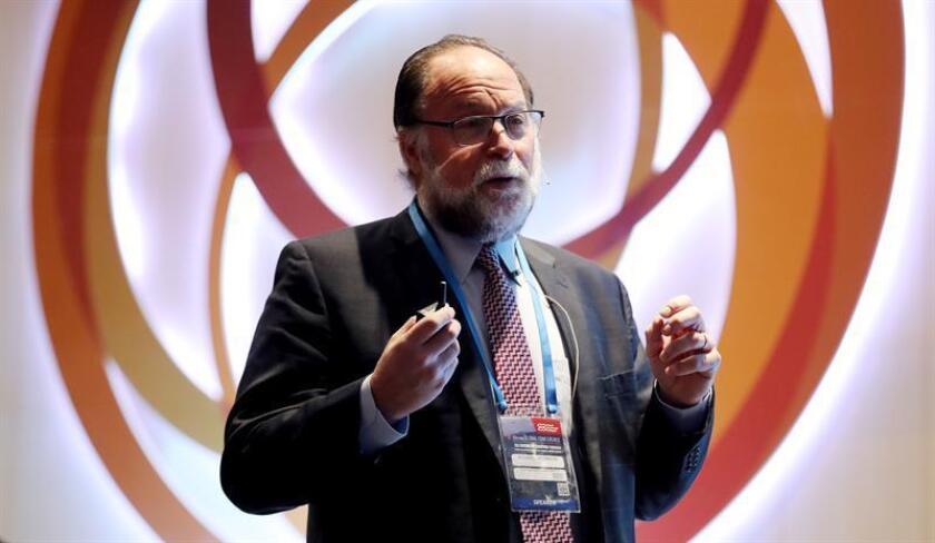 El director del Centro para el Desarrollo Internacional de la Universidad de Harvard, Ricardo Hausmann, participa en el Vigésimo Congreso Mundial de Clúster, el 8 de noviembre de 2017, en Bogotá (Colombia). EFE/Archivo