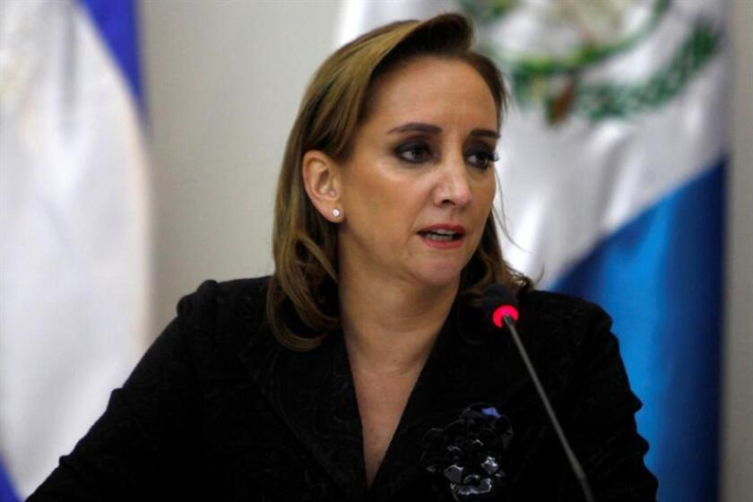 """La secretaria de Relaciones Exteriores de México, Claudia Ruiz Massieu, aseguró hoy que la relación con Estados Unidos """"trasciende coyunturas políticas"""", durante una reunión con empresarios de ambos países en la capital mexicana. EFE/ARCHIVO"""