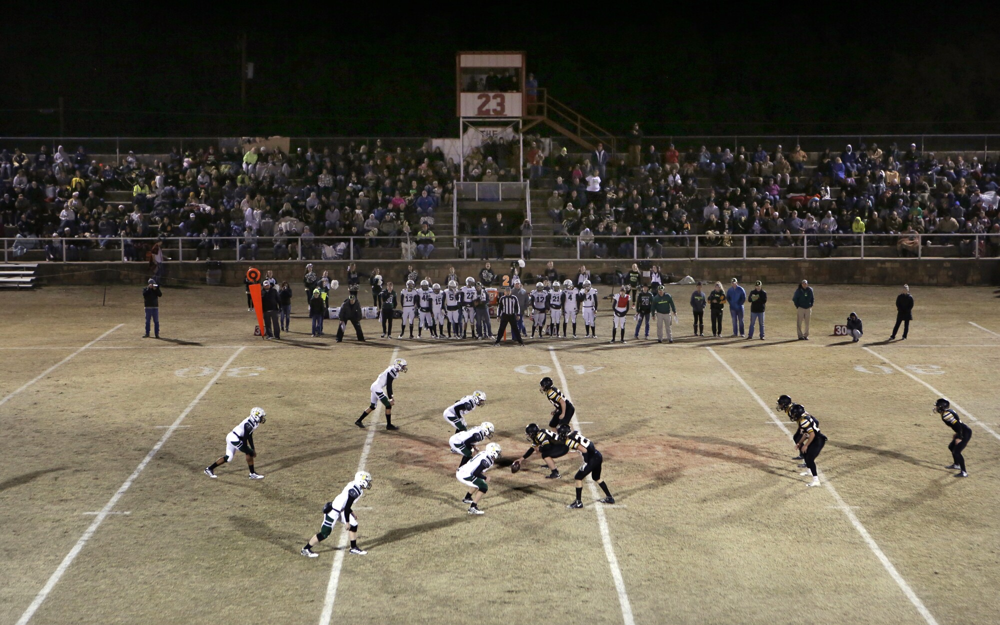 Tiny towns have big-time love for six-man football  - Los Angeles Times