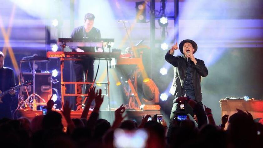 SAN DIEGO, CA-SEPTEMBER 16, 2016: | Gavin DeGraw performs at the Trestles stage during KAABOO Del Mar Friday. (|Misael Virgen / San Diego Union-Tribune ** For tronc publications only, no licensing, no sales.**)