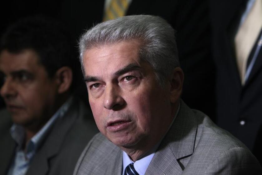 La Fiscalía mexicana puso hoy a disposición de un juez para su posterior extradición al expresidente del Congreso de Guatemala Luis Rabbé, prófugo de la justicia desde agosto de 2016 por varios delitos de corrupción, que fue detenido el lunes en la norteña ciudad mexicana de Monterrey. EFE/ARCHIVO