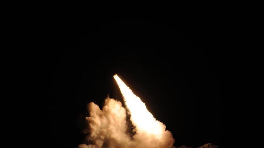 Un misil Trident II D-5 es lanzado desde el submarino Kentucky durante una prueba en el Océano Pacìfico el 7 de noviembre.