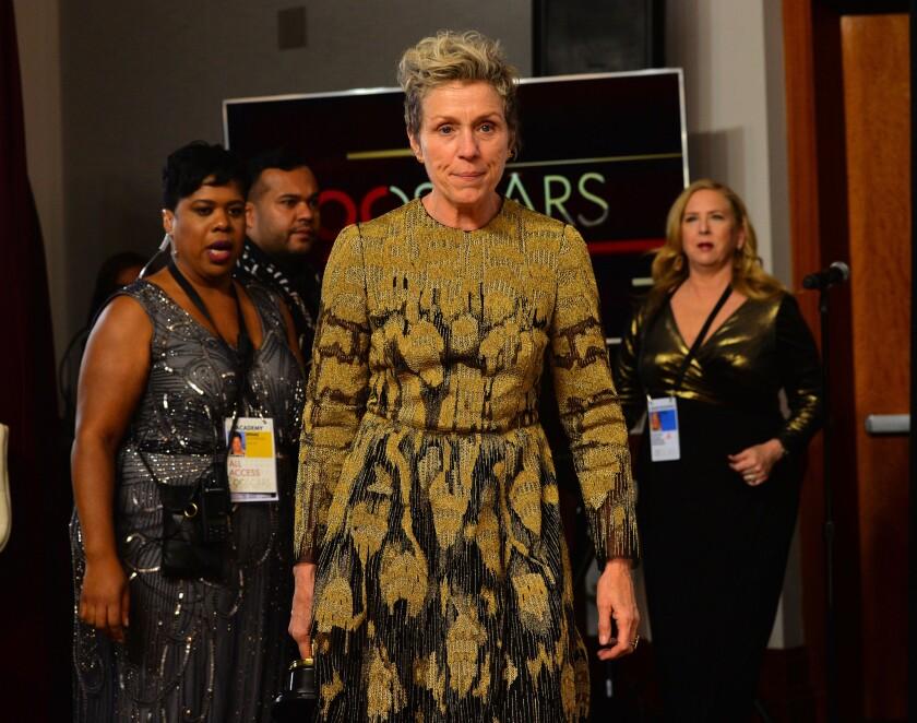Frances McDormand apenas celebraba y le robaron su Oscar.