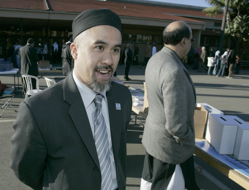 Edgar Hopida of the San Diego chaapter of the COuncin on American-Islamic Relations encouraged fellow Muslims to invite their non-Muslim neighbors to a Ramadan fast-breaking dinner to clear up misconceptions about Islam.